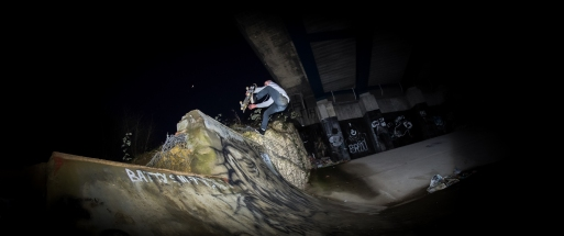 Jono Texas urbside on the rocks